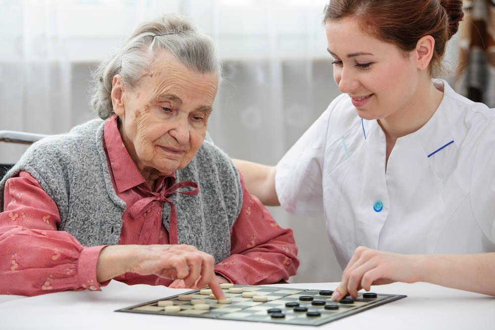 Servicios para personas mayores, una opción de emprendimiento