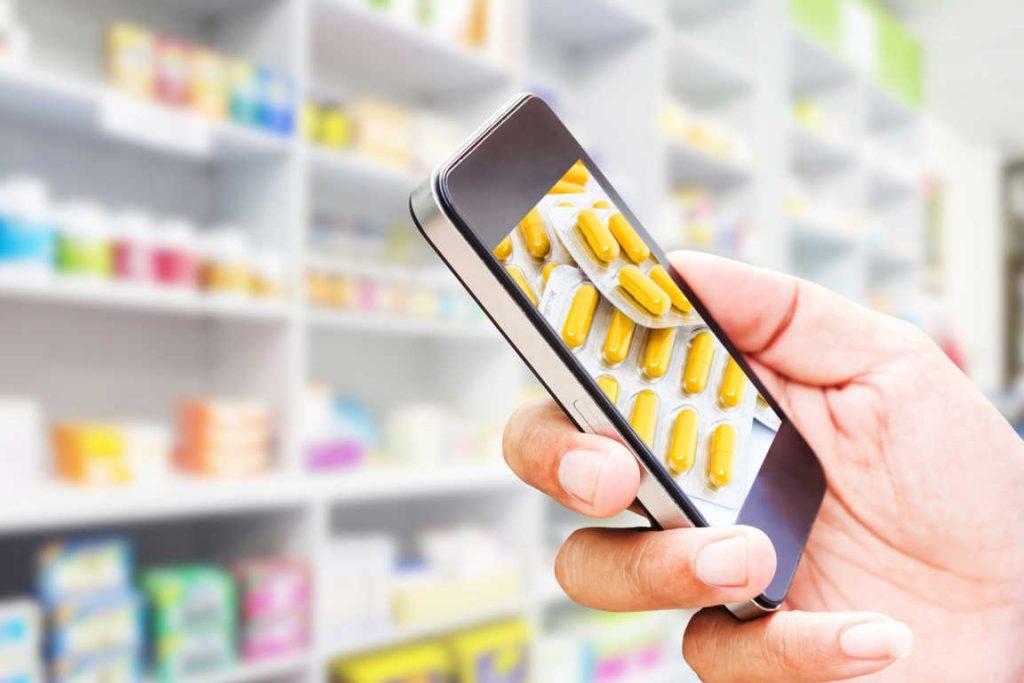 Formación en atención al cliente y marketing digital para farmacias